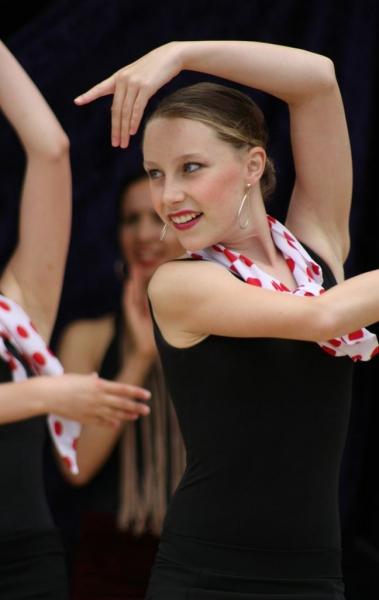 Los Gitanos dancers