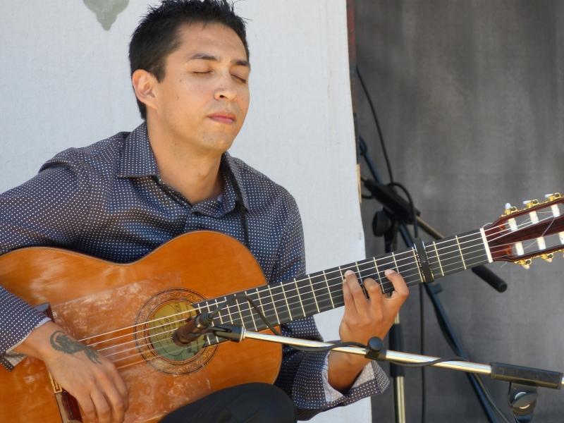 Azucena (Guitar) - Photo credit: Amity Skala